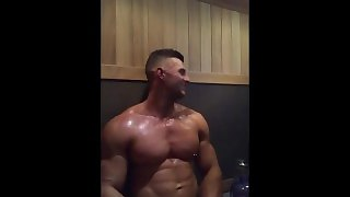 Muscle show off in the sauna