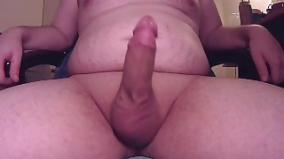 FAT BOY CUMS ON STOMACH