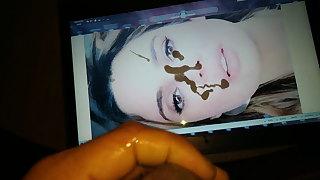 Rachel Sherazade Tomando Leite