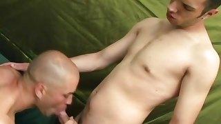 Gay hunks try on sucking dicks