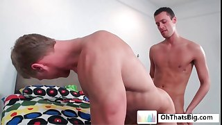 Muscled guy getting hairy anus fucked