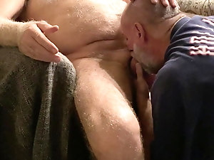 Married Daddy comes by for a blow job
