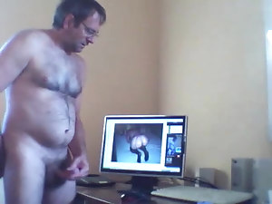 Vintage home video of this hairy mature guy stroking cumming
