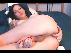 Very Hot Amateur Shemale on WEbcam